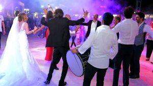 Koronavirüs tedavisi gören 80 yaşındaki kadın, 72 saatte 5 düğüne gitmiş