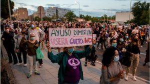 Madrid'de yüz binlerce kişiye 'Zorunlu ihtiyaçlar dışında sokağa çıkmayın' çağrısı