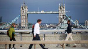 İngiltere'de can kaybı 2 gündür 100'ün altında