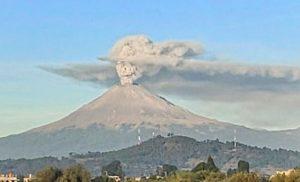 Meksika'da akıl almaz görüntü: Ölüler Günü sembolü yanardağda belirdi