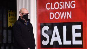 İngiltere'de koronavirüs nedeniyle kapanan mağaza sayısında rekor artış