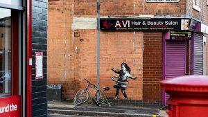 Banksy Nottingham'da yaptığı bir grafiti ile geri döndü