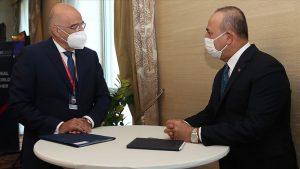 Çavuşoğlu, Yunanistan'ın Dışişleri Bakanı Dendias'la görüştü