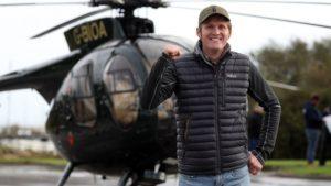 İngiltere'de eski paraşütçü dünya rekoru denemesinde ölümden döndü
