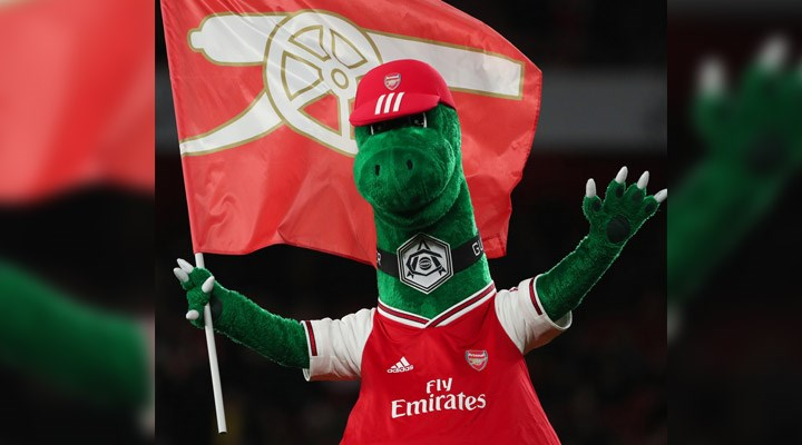 Mesut Ozil offers to pay wage of Arsenal mascot
