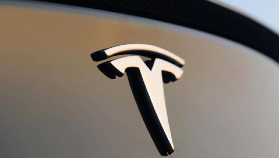 Tesla'nın 'tam otomatik sürüş' pazarlamasına uzmanlardan itiraz: Yanıltıcı ve sorumsuzca