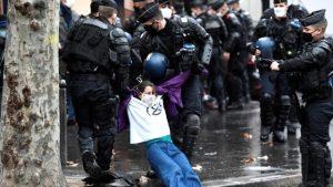Milenyum kuşağı, demokrasiden memnun olmayan ilk kuşak