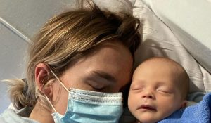 Yeni doğan bebek corona virüsü yendi