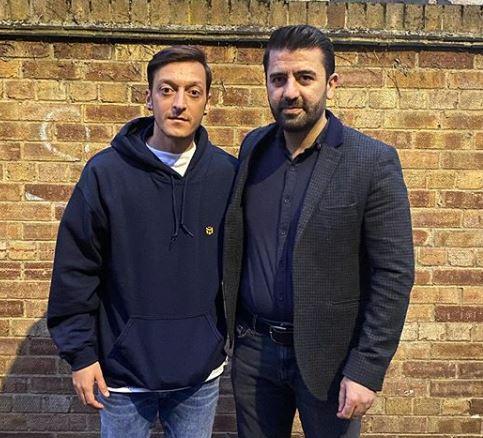 Mesut Özil meets with Metehan Fidan's family