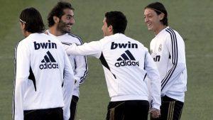 Hamit Altıntop: Mesut Özil bu durumun altından en iyi şekilde kalkacaktır