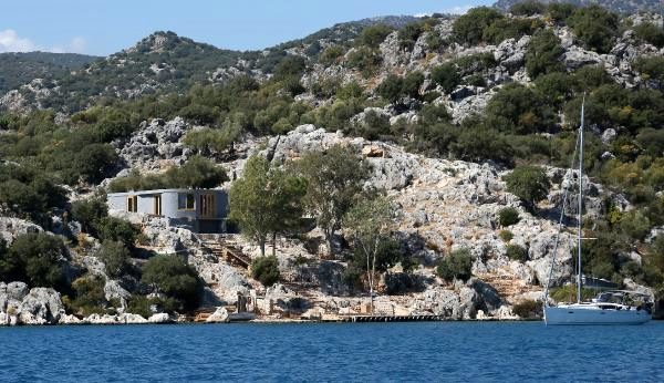 İngiliz şirket, Antalya'da doğa harikası yarımadaya villa dikti
