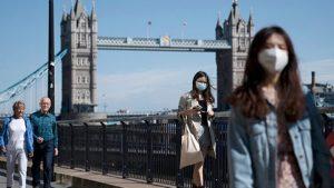 İngiltere'de 16 bin vaka, teknik sorun nedeniyle koronavirüs tablosuna sonradan eklendi
