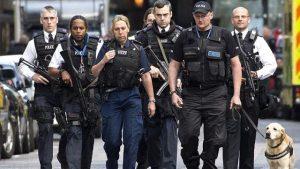 İngiltere'de gizli polislere talimat: Görev zora girerse cinsel ilişkiye girebilirsiniz