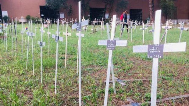İtalya'da kürtajla alınan fetüslerin gizlice annelerin isimleriyle gömüldüğü ortaya çıktı