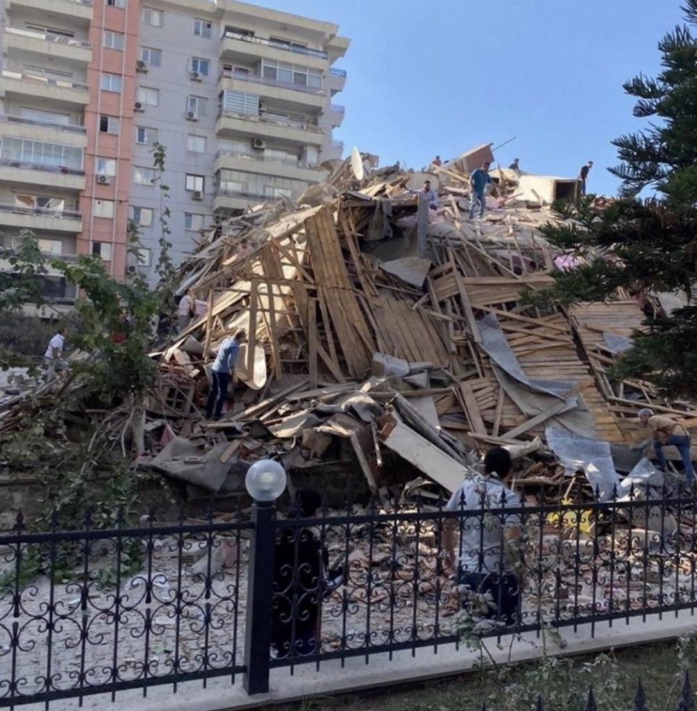 4 killed and hundreds injured as 7.0 earthquake hit Turkey's coast