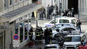 Fransa'nın Nice şehrinde bıçaklı saldırı düzenlendi: En az üç kişi öldü, çok sayıda kişi yaralandı