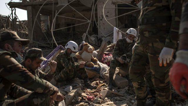 Azerbaycan, aralarında bebek, çocuk ve kadınların olduğu 90 sivilin Ermenistan tarafından katledildiğini bildirdi