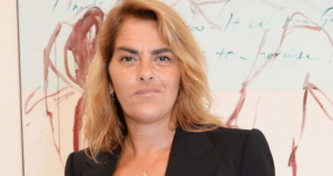 Tracey Emin announces 'all clear' cancer scan