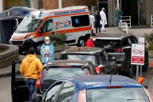 İtalya'da vaka sayısı 1 milyonu aştı, doktorlar sendikası genel karantina istiyor