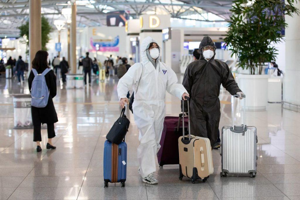 Koronavirüs aşısı: Gelecekte uluslararası uçuşlar öncesi aşı yaptırmak zorunlu mu olacak?