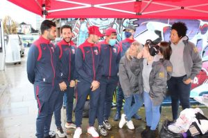 Yavruvatan FC evsizlere yardım eli uzattı