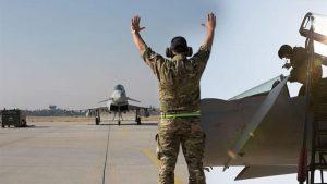 İngiltere'ye ait Eurofighter Typhoon ile Türk F-16 uçakları birlikte ilk eğitim uçuşlarını yaptı