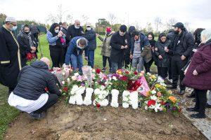 İki çocuk annesi 24 yaşındaki Fatma Kaşıkçı'nın cenazesi Londra'da toprağa verildi