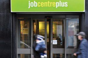 İngiltere'de işsizlik oranı yüzde 4,8'e geriledi