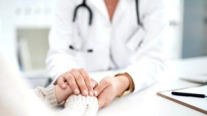 İngiltere'deki bazı kliniklerde 'kızlık zarı tamiri' ve 'bekaret testi' yapılıyor