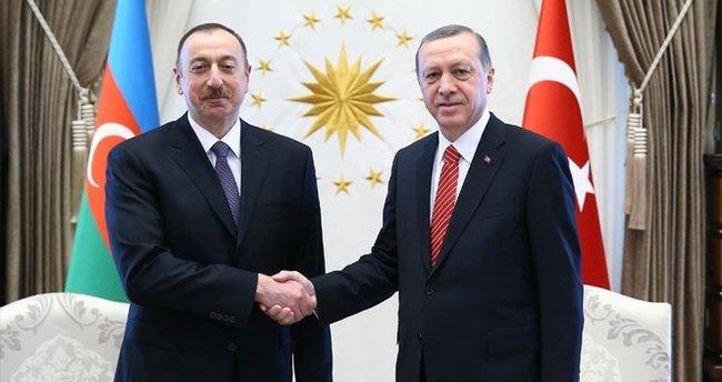 Türkiye Cumhuriyeti Cumhurbaşkanı Erdoğan Azerbaycan Cumhurbaşkanı Aliyev'i kutladı