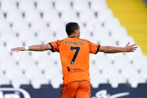 Koronavirüsü yenen Ronaldo, Spezia maçında 2 gol attı