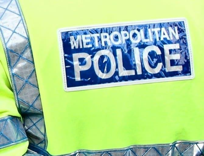 Croydon'da bıçaklanmalarla bağlantılı olarak 15 Yaşında bir Çocuk tutuklandı