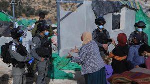 İsrail güçleri Batı Şeria'da 4 Filistinli aileyi evsiz bıraktı