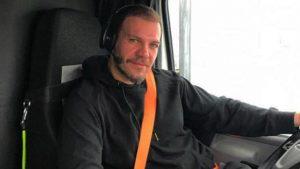 """Tır şoförü Tolga Karel'den  takipçisine cevap: """"Maaşım senin sülalene burs verir"""""""