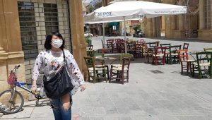 Güney Kıbrıs'a sokağa çıkma yasağı geldi