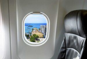 Uçakta Covid-19 önlemi: En güvenli yer cam kenarı