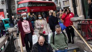 İngiltere'de enfeksiyon seviyesinde ciddi bir yükseliş yaşanıyor