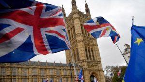 AB'den üyelerine mecburi seyahat ve taşımacılıkta İngiltere'ye yasakları kaldırma tavsiyesi