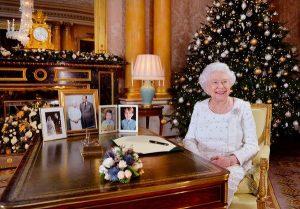 Kraliçe Elizabeth ulusa seslendi: Yalnız değilsiniz