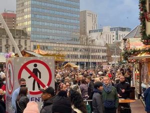 Christmas market shut down over a lack of social distancing