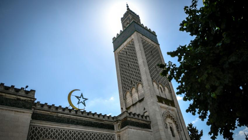 Fransa 76 camide denetim başlatıyor: 'Bazı camiler kapatılabilir'