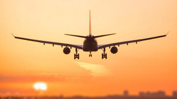 Bir ülke daha İngiltere'ye uçuş yasağı getirdi