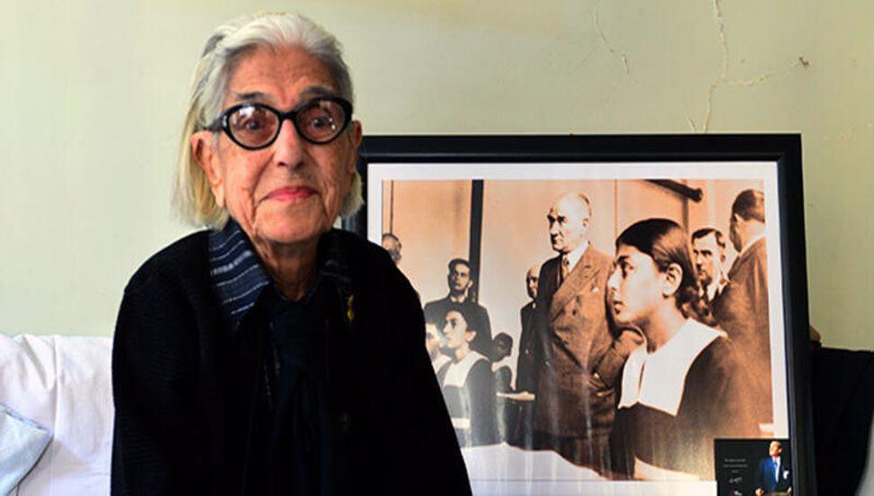 Atatürk'le fotoğrafı bulunan Remziye Tatlı 99 yaşında hayatını kaybetti