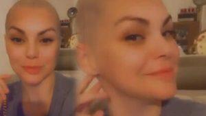 Ünlü şarkıcı, yeni albümü için saçlarını kazıttı