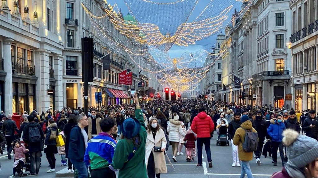 Christmas shoppers take to the streets
