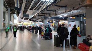 Hollanda İngiltere'ye uçuşları 'şartlı' olarak yeniden açtı