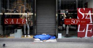 İngiltere ekonomisi son pandemi önlemleriyle 'önceki tahminlerin yüzde 6 ötesinde küçülebilir'