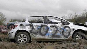 İngiltere'de hurda araç şirketinden ilginç stres atma yarışması