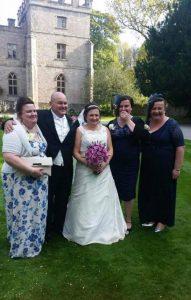 İngiltere'nin konuştuğu evlilik: En yakın arkadaşının babasıyla evlendi