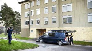 İsveç'te bir kadın, oğlunu 30 yıla yakın evinde hapsettiği için gözaltına alındı